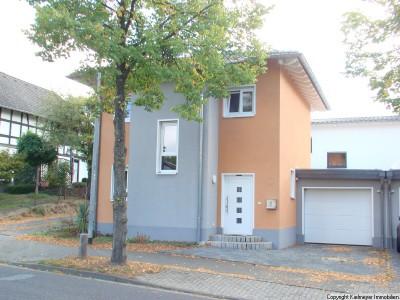 Kleines Raumwunder //  Einfamilienhaus in Hennef- Uckerath